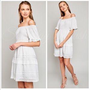 Dresses & Skirts - 🔥Super! Gray stripped off shoulder tiered dress
